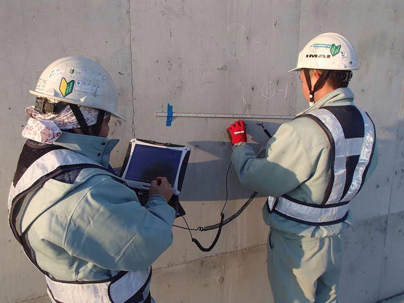 衝撃弾性波法(iTECS法)によるコンクリートの強度調査